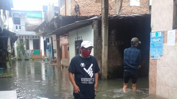 Hujan Deras Semalaman, Cengkareng dan Kebon Jeruk Tergenang Banjir