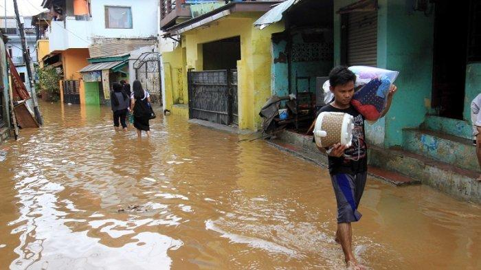 Tanggapi Banjir Jakarta, Djarot : Yang Penting Kerja, Enggak Usah Kebanyakan Ngomong
