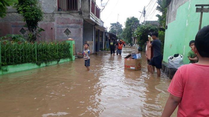Terdampak Banjir, Ratusan Warga Rawajati Jakarta Selatan Butuh Bantuan Air Bersih
