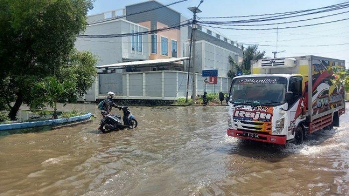 Awas Banjir Rob, Tinggi Muka Air Laut di Pompa Pasar Ikan Jakarta Utara Lebih dari 2 Meter