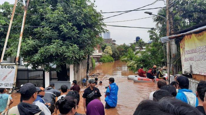 Tanggul Kali Pesanggrahan Jebol Rendam Komplek Ikpn Bintaro Setinggi Dua Meter Warta Kota