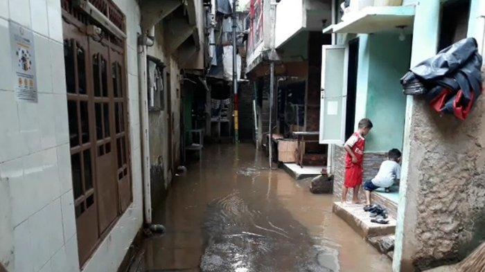 Akui Banjir Masih Jadi Masalah Ibu Kota, Anies Janjikan Genangan Dapat Surut Kurang dari Enam Jam
