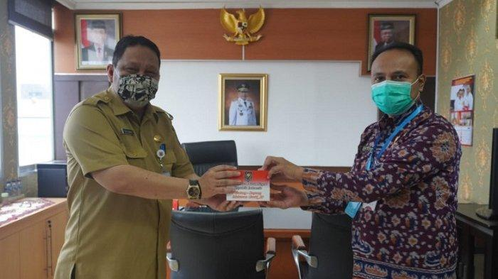 Kemendagri RI Beri Bantuan 100 Paket Hand Sanitizer ke Pemerintah Kota Depok