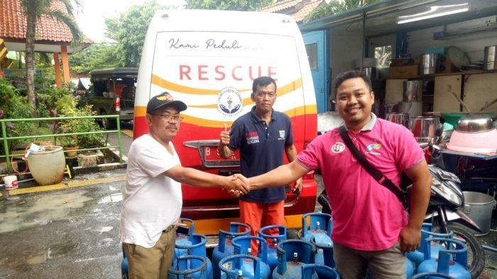 Pertamina Bantu Penyediaan LPG Bagi Operasional Posko Dapur Umum Banjir Jakarta