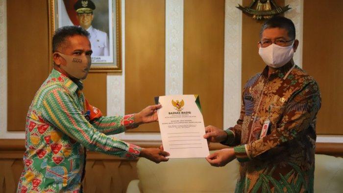 Baznas Jaksel Salurkan Bantuan, Korban Kebakaran Jati Padang Dapat Rp 45 Juta untuk Renovasi Rumah