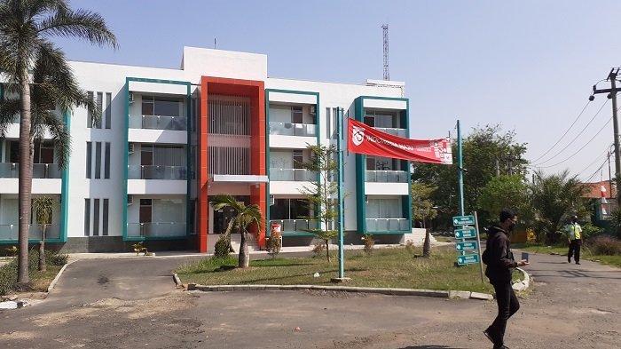 Badan Pelayanan Kesehatan (Bapelkes) di Jalan Raya Lemah Abang, Cikarang, Kabupaten Bekasi, Jawa Barat, disiapkan untuk warga positif virus corona orang tanpa gejala menjalani perawatan di tempat isolasi terpusat.