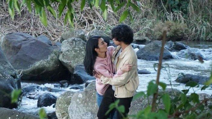 Bastian Steel dan Tyas Mirasih beradu akting di serial Butir Butir Pasir di Laut yang mulai ditayangkan ANTV, Rabu (7/7/2021) mulai 19.30 WIB.