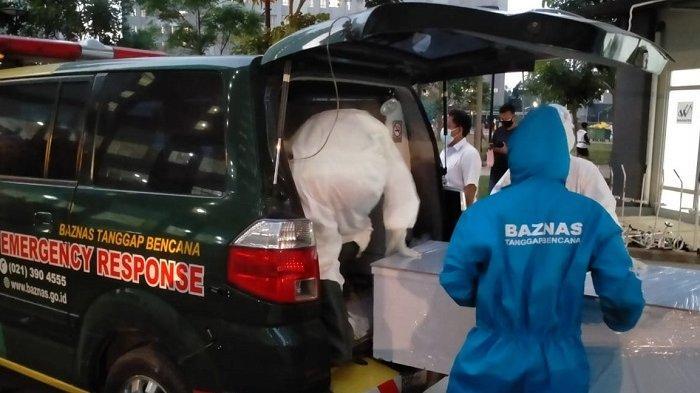 Tim BAZNAS Tanggap Bencana (BTB) dan BAZNAS (BAZIS) DKI Jakarta terus siap siaga dalam membantu proses pemulasaraan ataupun pengantaran jenazah pasien Covid-19 di wilayah Jabodetabek.