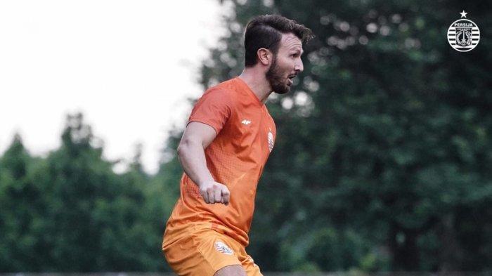 Bek asal Italia, Marco Motta telah mengikuti sesi latihan bersama skuat Persija Jakarta, Senin (5/10/2020).