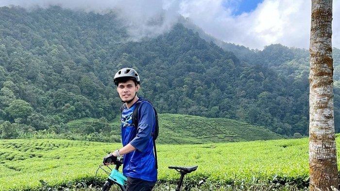 Demi Menjaga Ketahanan Fisik, Bek Persija Rezaldi Hehanusa Bersepeda di Puncak Selama 4 Sampai 5 Jam