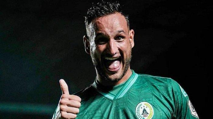 Alfonso de la Cruz Pilih Tetap Bersama PSS Sleman Meski Banyak Tawaran dari Klub Lain