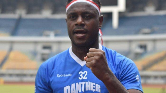 Kapten Persib Victor Igbonefo Memuji Permainan Dua Pemain PSS saat Laga Semifinal Piala Menpora