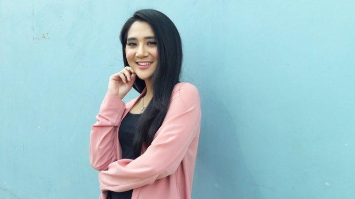 Masuk Nominasi Anugerah Dangdut Indonesia 2019, Bella Nova: Jika Menang Untuk Semua Penggemar