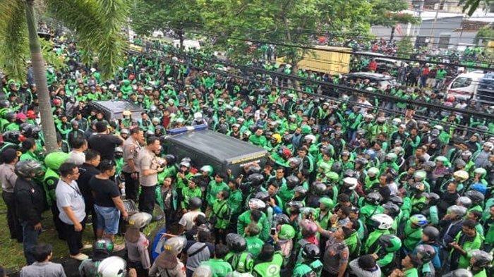 IRONI, Sudah Nunjukkin Video Jokowi, Driver Ojol Ini Masih Ditagih Cicilan Oleh Debt Collector