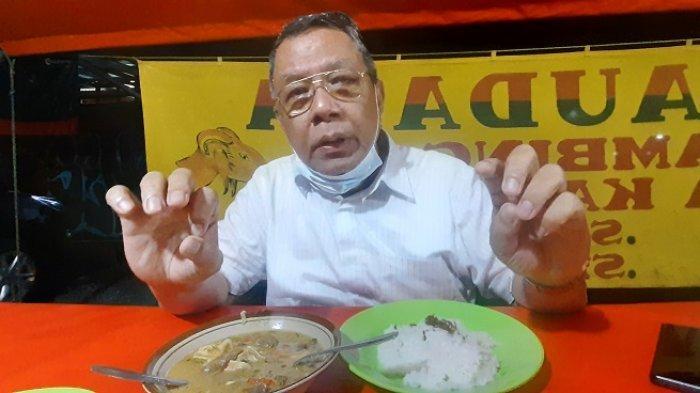 Tidak Canggung Makan di Warung Pinggir Jalan, Bang Ben Ingin Wujudkan Mimpi Rohana si Pedagang Sate