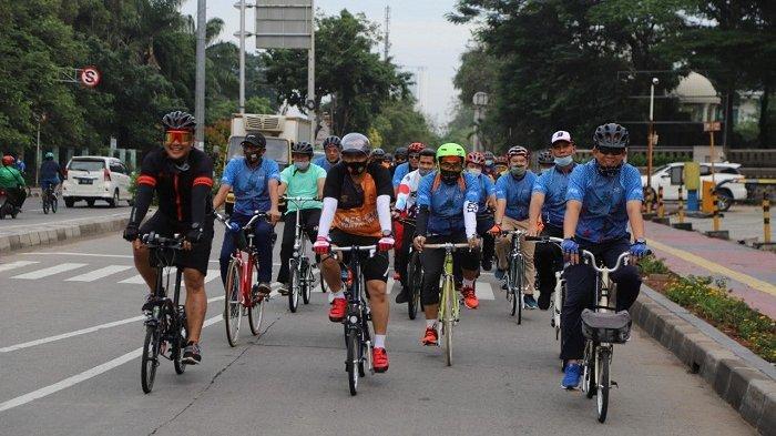 Amankah Bersepeda di Masa Pandemi dengan Pakai Masker? Berikut Ini Tips Aman dari Dokter Olahraga