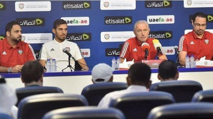Pelatih timnas Uuni Emirat Arab, Bert van Marwijk.
