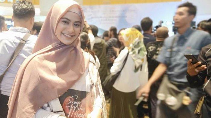 VIDEO: Betari Ayu Canggung Perankan Istri Arifin Ilham