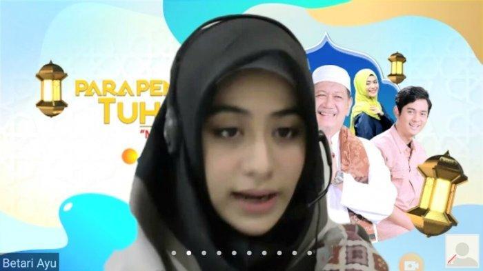 Betari Ayu saat wawancara virtual Ngabuburit Bareng Pemain Para Pencari Tuhan 13, Jumat (24/4/2020). Betari Ayu memainkan peran Zahro di serial yang ditayangkan SCTV di awal Ramadan ini.