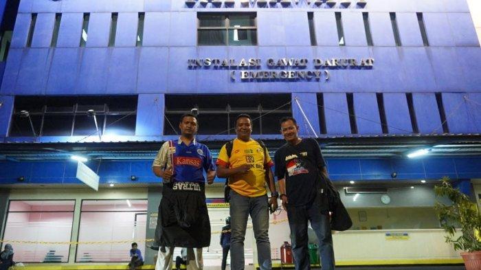 Bhayangkara FC Bantu Aremania Korban Jatuh dari Tribun Stadion PTIK