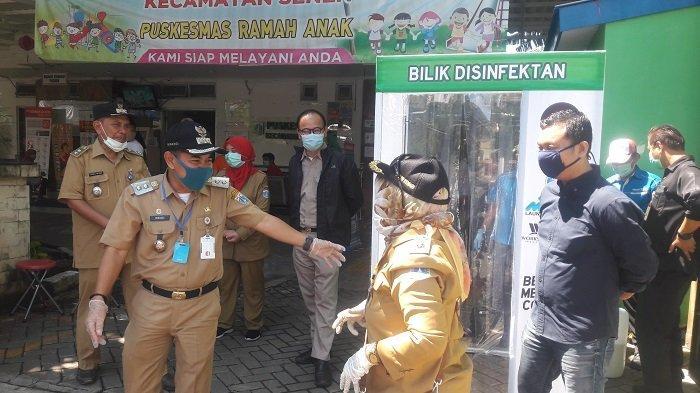 Pemkot Jakarta Pusat dan Asosiasi Laundry Kolaborasi Tempatkan Bilik Disinfektan di Puskesmas