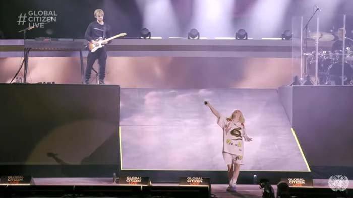 Billie Eilish saat tampil di konser Global Citizen 2021 di New York, Amerika Serikat pada Minggu (26/9/2021).