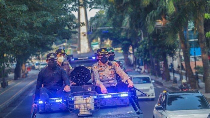 VIDEO : Wali Kota Bogor Patroli Keliling Kota Imbau Warga Dengan Toa