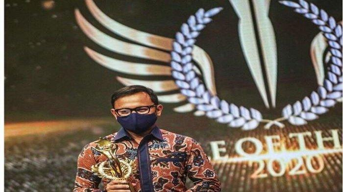 Wali Kota Bogor Bima Arya Raih Penghargaan Best Government Officer For Accelerated Growth 2020