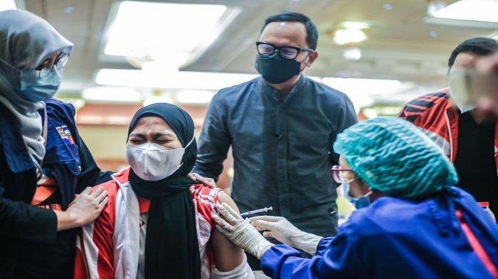 Atlet Peraih Emas Asian Games Divaksin Covid-19 di Kota Bogor, Bima Arya Tambah Lokasi Vaksinasi