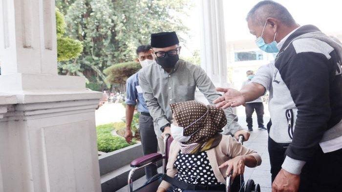 Pemkot Bogor Fasilitasi 30 Penyandang Disabilitas dengan Kursi Roda di 6 Kecamatan di Kota Bogor