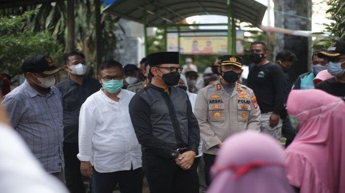 Pastikan Peniadaan Ziarah Kubur, Wali Kota Bogor Bima Arya Kunjungi TPU Blender Kebon Pedes