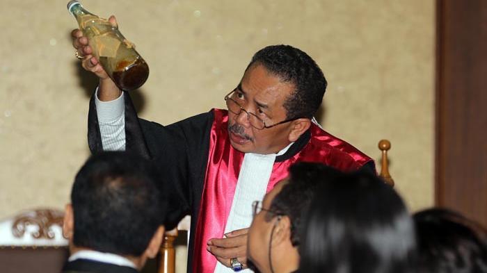 Inilah 4 Fakta Menurut Hakim Bahwa Tangisan Jessica Hanya Sandiwara