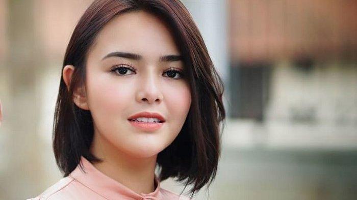 AMANDA Manopo Bintang Sinetron Ikatan Cinta Nikmati Kue Ultah Billy Syahputra Bolu Kukus Rp 30.000