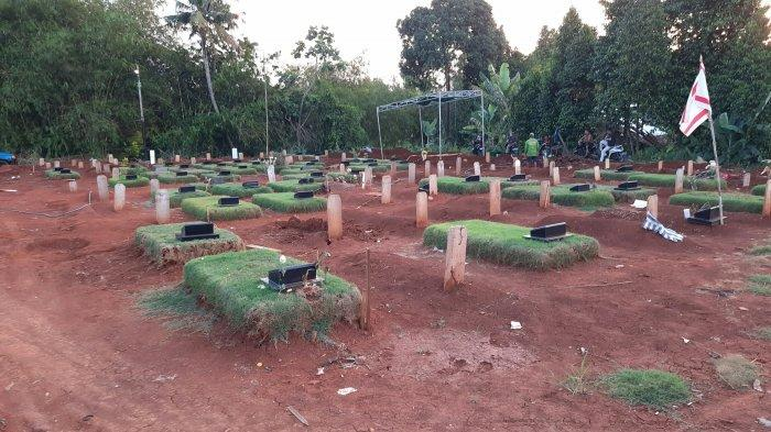 Sempat Santai Bekerja di Bulan Juli, di Bulan Agustus Para Petugas Makam di TPU Jombang Kewalahan