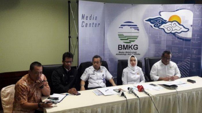 BMKG Ungkap Kronologi Terjadinya Tsunami Selat Sunda
