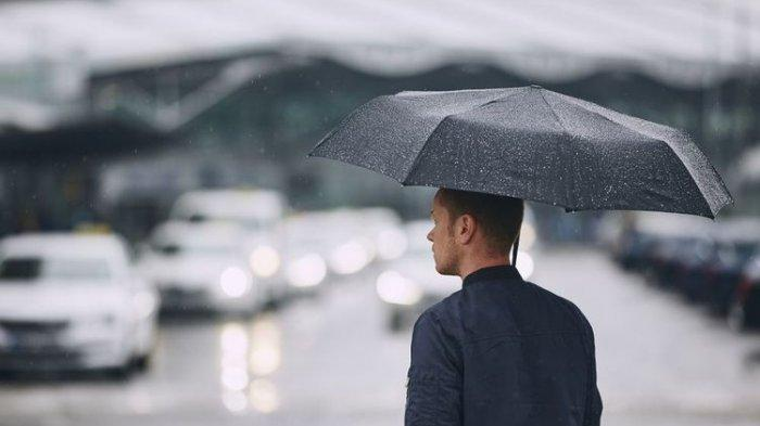 BMKG: Hujan Ringan Guyur Jakarta Siang Ini, Sebagian Provinsi Potensi Hujan Lebat dan Angin Kencang