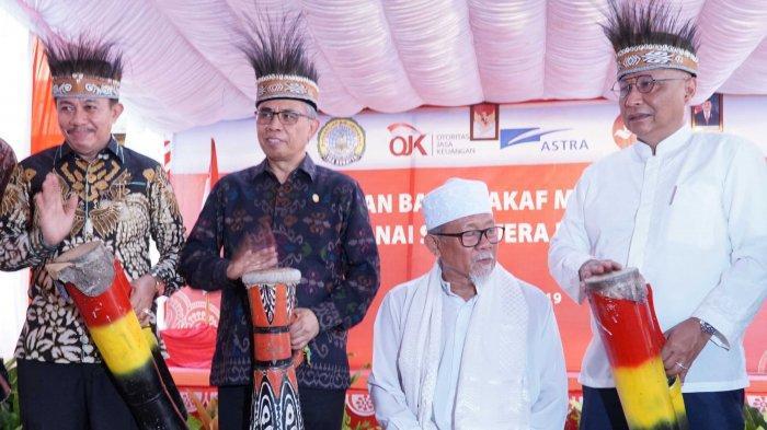 FOTO : Ketua OJK Resmikan Bank Wakaf Mikro Keempat Astra