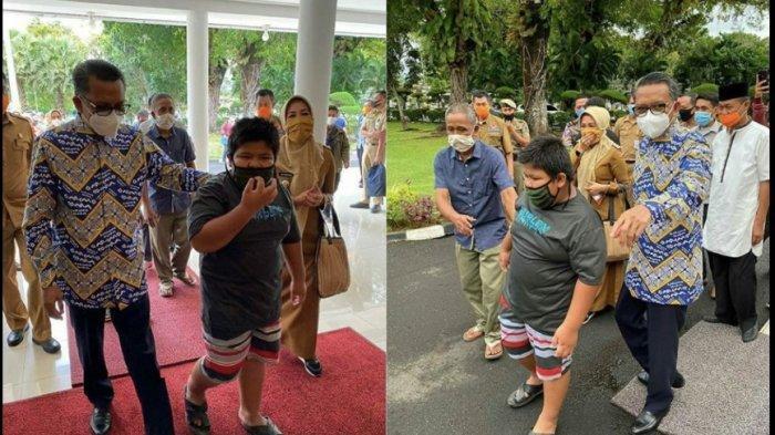 Gubernur Sulawesi Selatan Beri Beasiswa dan Motor untuk Bocah Penjual Jalangkote