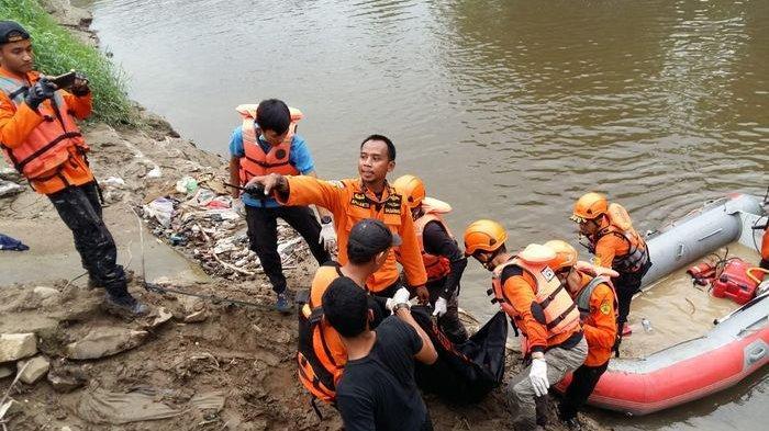 Bocah Tenggelam saat Berenang di Kali Bekasi Bantar Gebang Akhirnya Ditemukan