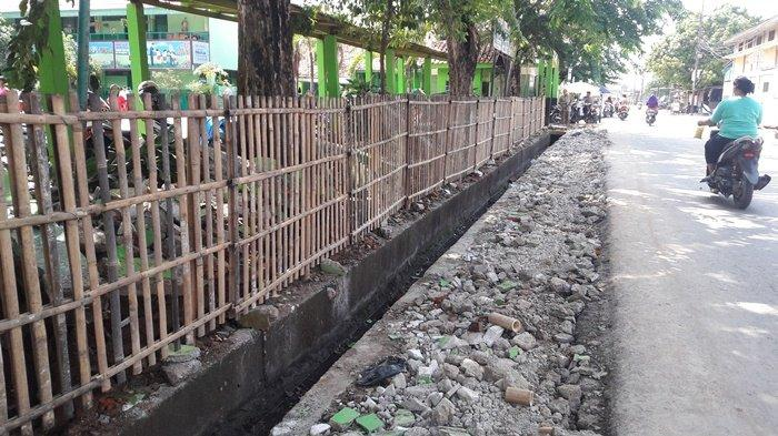 Tembok Baru Tiga SDN di Penggilingan Jakarta Masih Menunggu Anggaran Tahun 2020