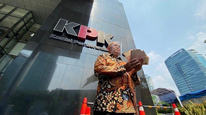 KPK Pecat 51 Pegawai, Boyamin Saiman: Negara Rugi
