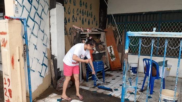 BREAKING NEWS: Rayakan Natal Warga Tangerang Dikepung Banjir