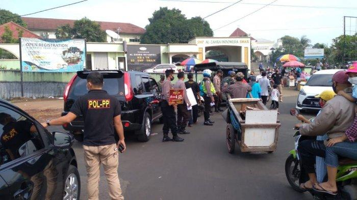 Hindari Kerumunan Para Pedagang Makanan Dadakan di Perumahan Villa Dago Pamulang Dilarang Berjualan