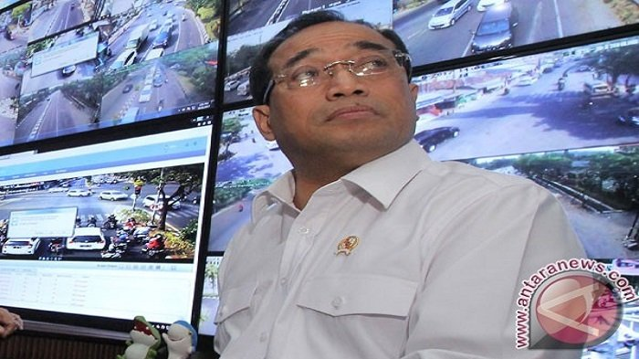 Menhub Minta Swasta Berperan dalam Uji KIR Taksi 'Online'
