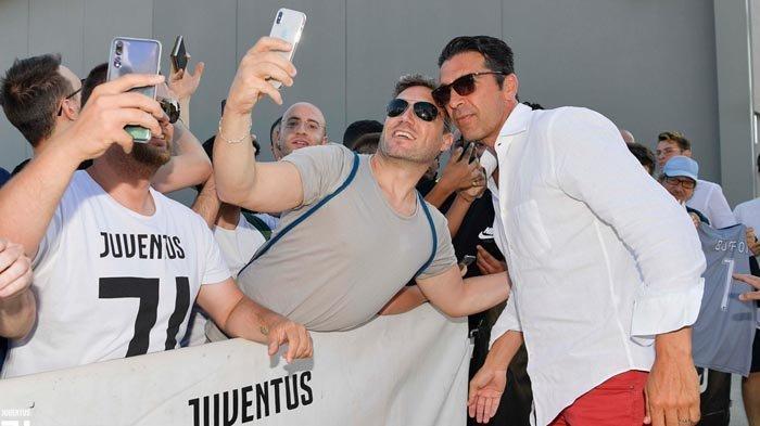 Gigi Buffon Pulang ke Pangkuan Nyonya Tua