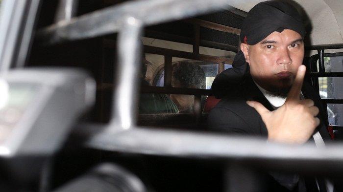 Bakal Disidang di Kasus yang Lain Lagi, Hari Ini Ahmad Dhani Dipindahkan ke Rutan Medaeng Surabaya