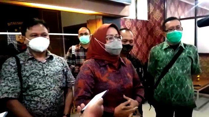 Diperiksa 6 Jam soal Kerumunan Habib Rizieq di Megamendung, Bupati Bogor: Kita Tidak Keluarkan Izin