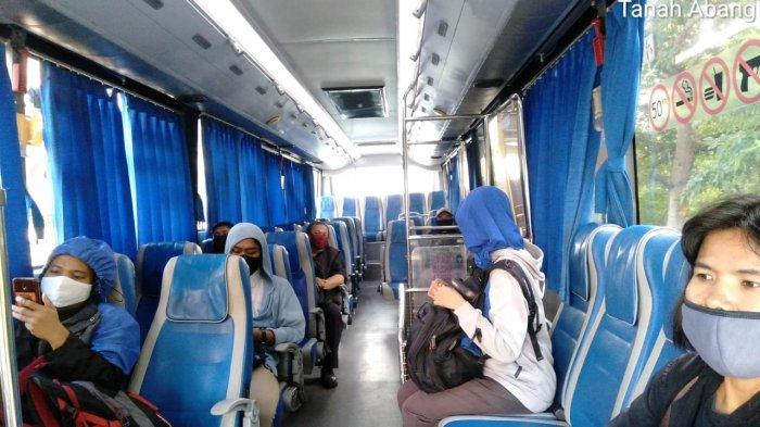 VIDEO: Warga Tumpangi Bus Gratis dari PPD di Stasiun Manggarai Tujuan Bekasi dan Bogor