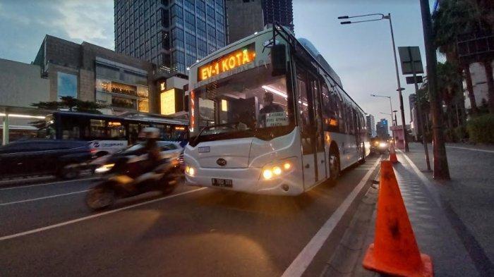 TransJakarta Mulai Besok, Senin 13 Juli, Perpanjang Operasional Uji Coba Bus Listrik Menjadi 12 Jam