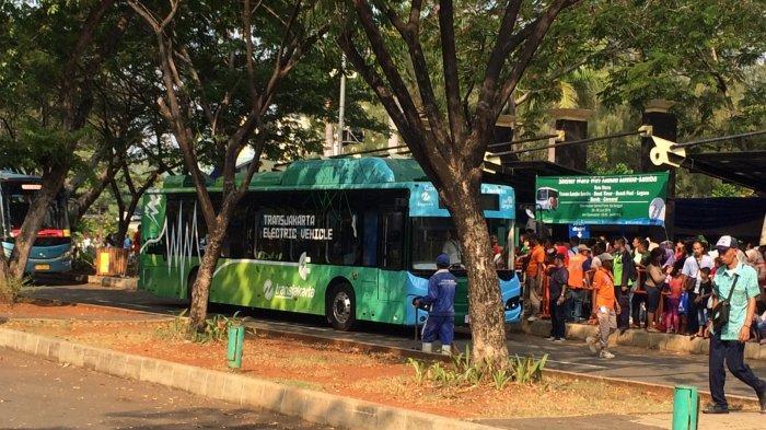 Bus Listrik Transjakarta Bikin Penasaran Pengunjung Ancol